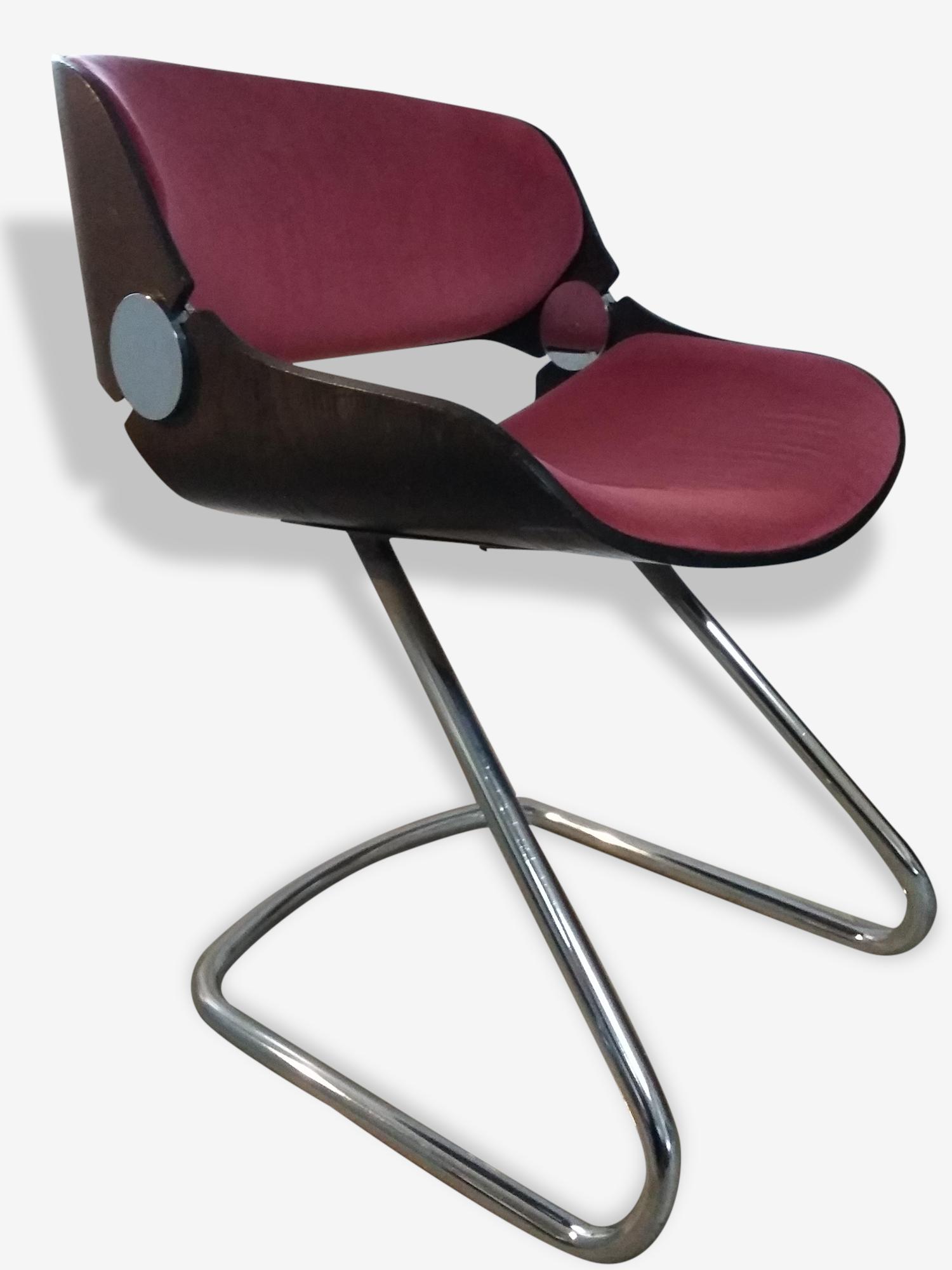 Chaise avec piètement tubulaire