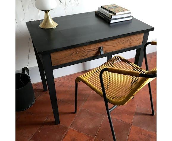 Bureau en bois et noir