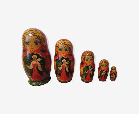 5 poupées russes