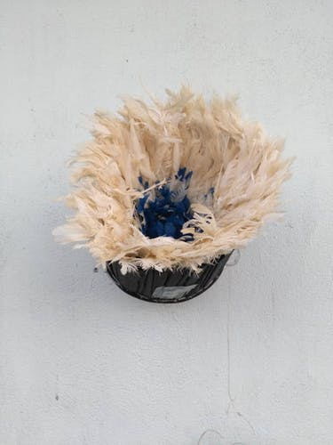 Juju hat multicolored inner blue contour white 60 cm