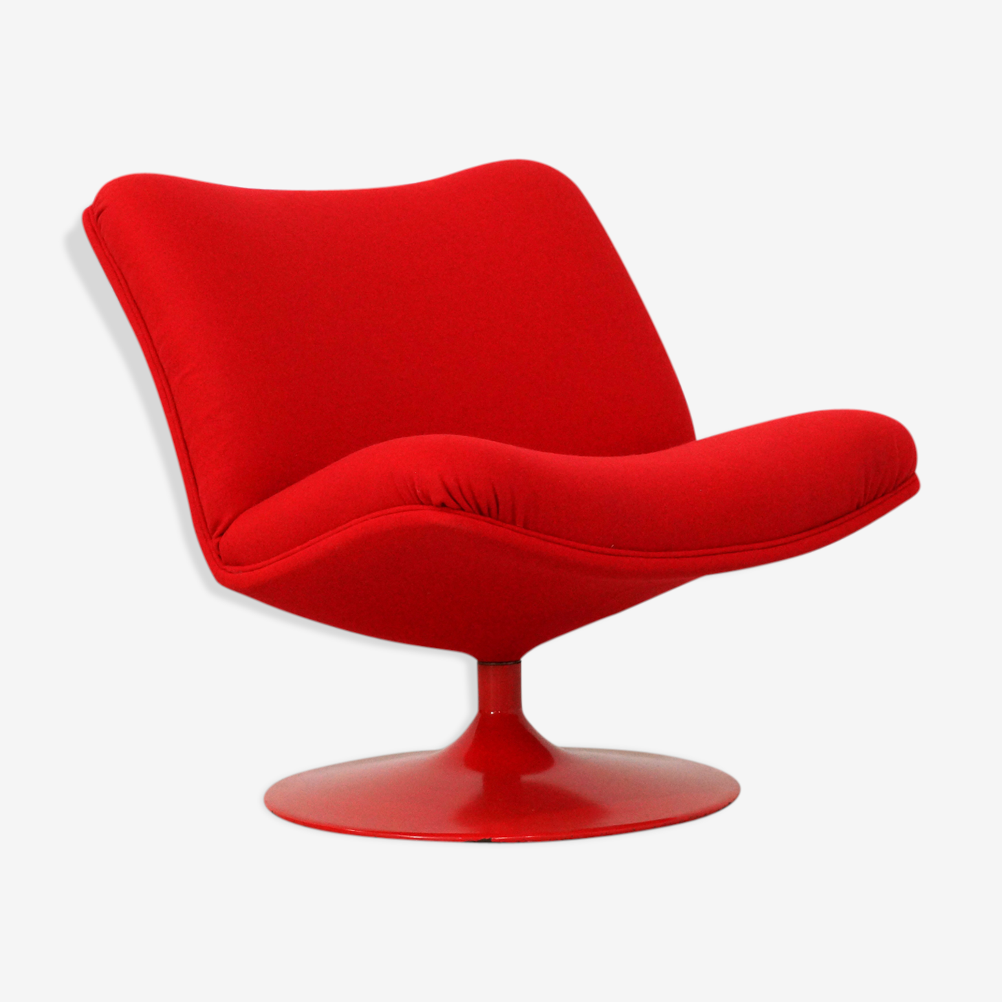 Red lounge chair by Geoffrey Harcourt for Artifort model f504