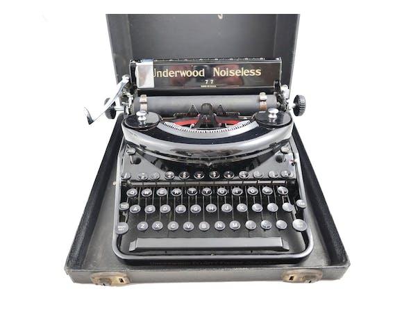 Machine à écrire Underwood Noiseless 77 portable noire de 1938 révisée ruban neuf