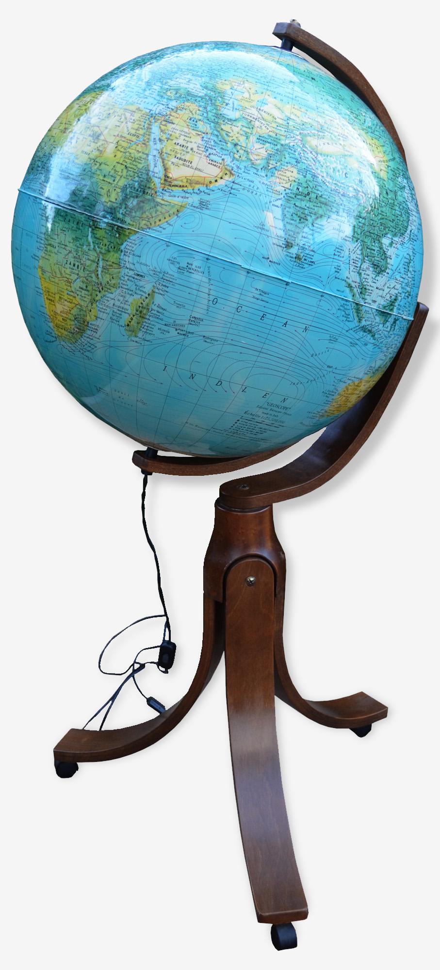 Grand globe terreste design