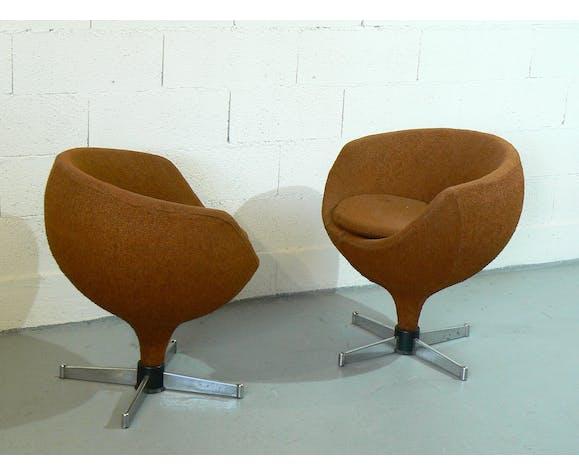 Paire de fauteuils Polaris de Pierre Guariche éditée par Meurop