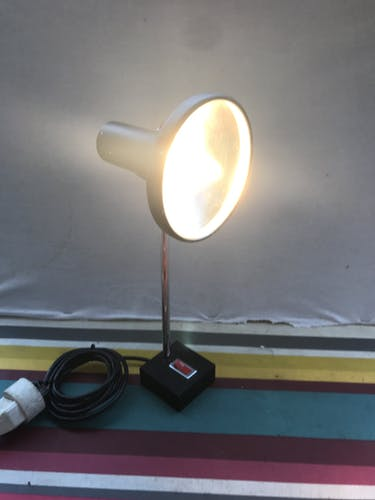 Lampe de table orientable alu noir