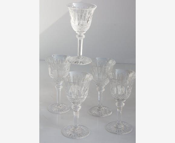 Série de 5 verres à vin n°4 15 cm en cristal taillé de Saint Louis modèle Tommy