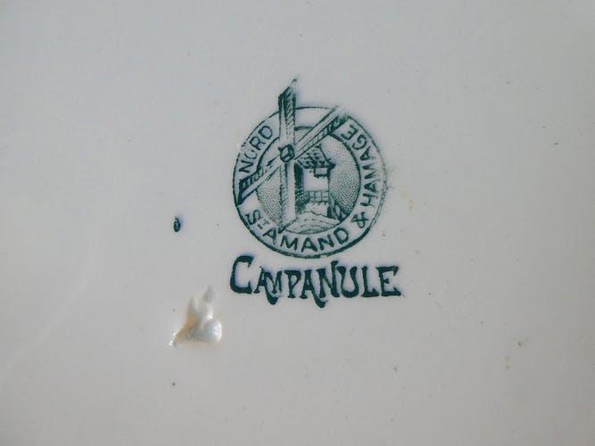 Plat rond Saint Amand décor campanule ton vert