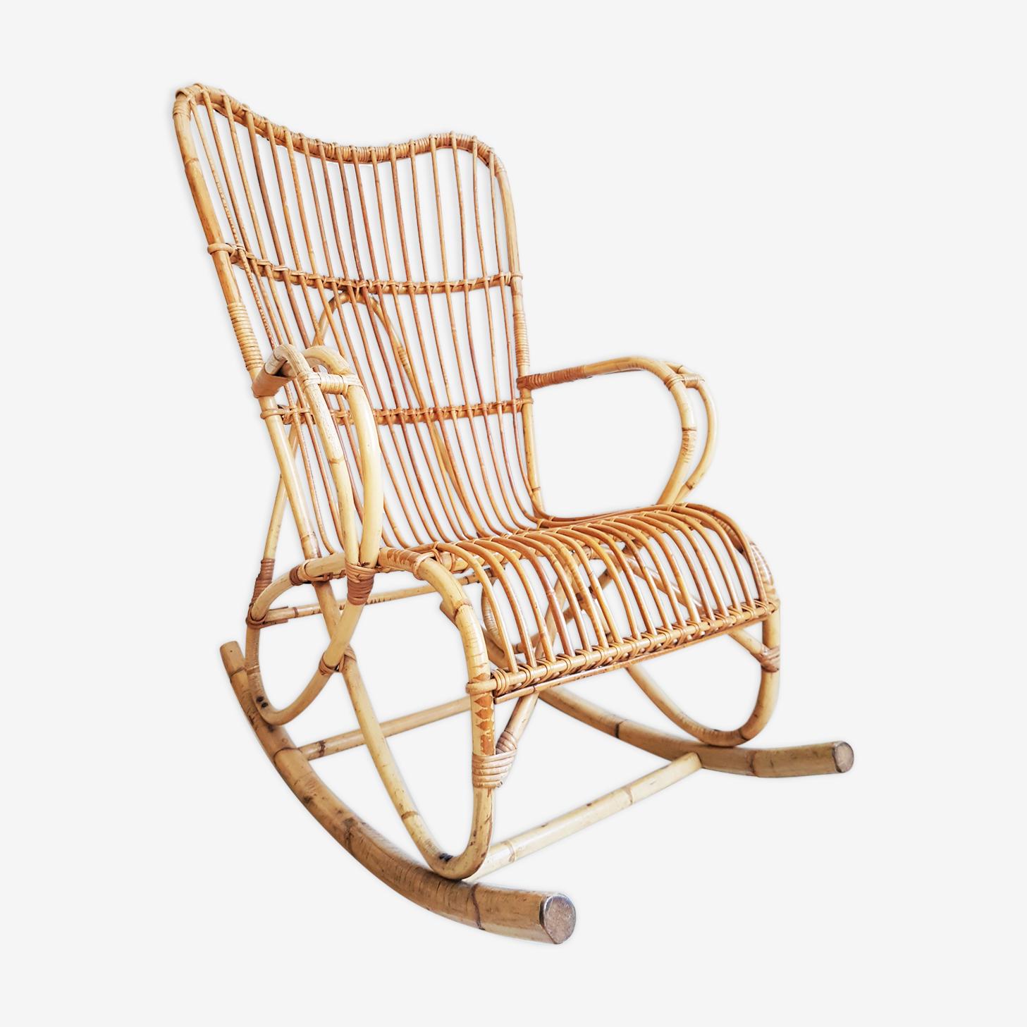 Rocking-chair en rotin vintage