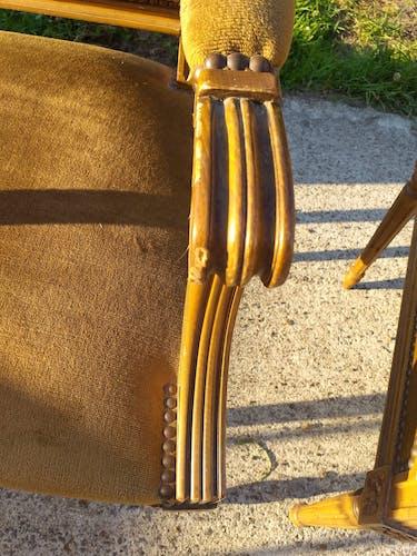 Paire de fauteuils cabriolets style Louis XVI