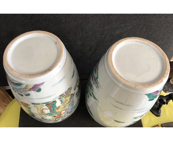 Chine paire de vases porcelaine décor polychrome dynastie Qing XIXe H 46,5 cm