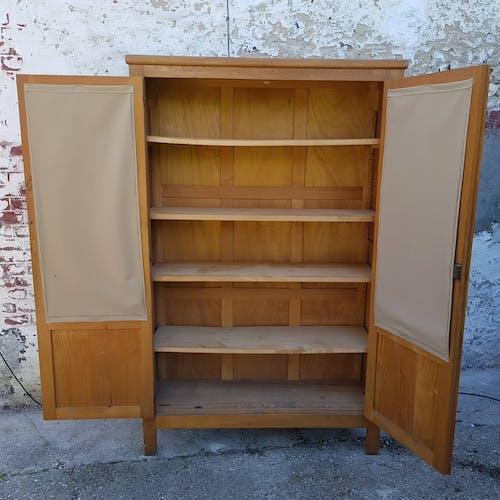Armoire vitrine 2 portes en bois de maître d'école
