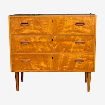 Chest of drawers in scandinavian style