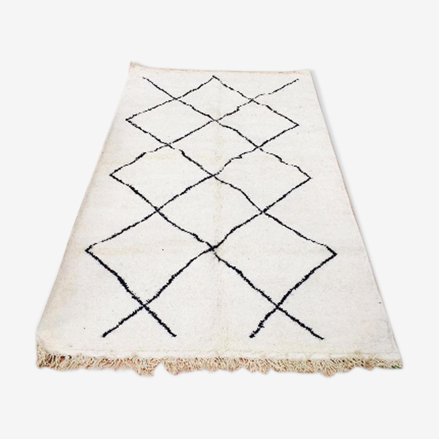 Tapis Beni Ourain blanc à motifs géométriques noir 200x116 cm
