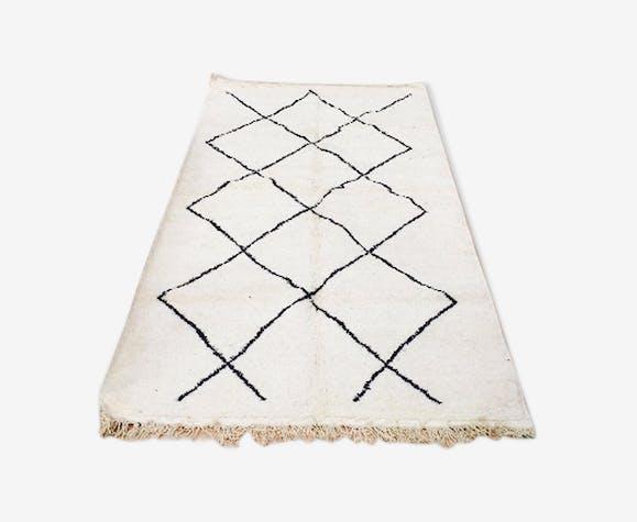Tapis Beni Ourain Blanc A Motifs Geometriques Noir 200x116 Cm
