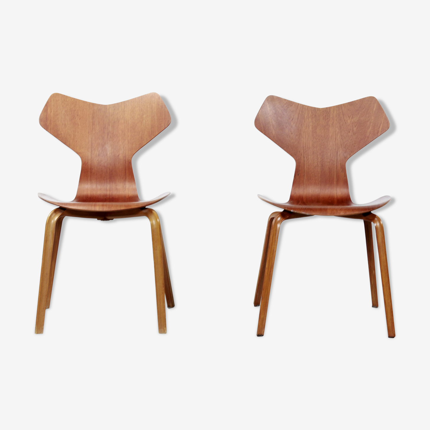 Ensemble de 2 chaises par Arne Jacobsen pour Fritz Hansen