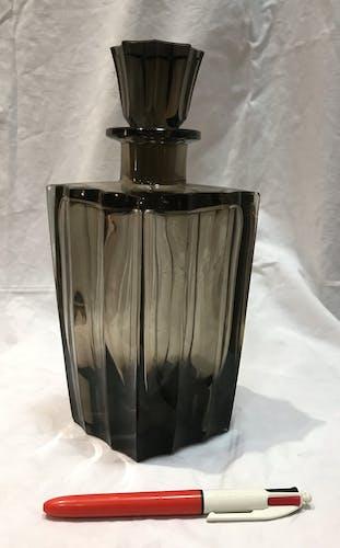 Carafe à alcool en verre fumé 1950