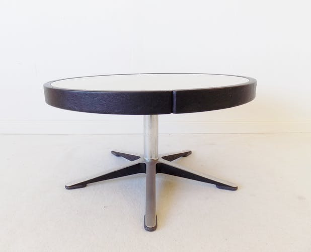 Table basse 800 par Hans Peter Piel pour Wilkhahn