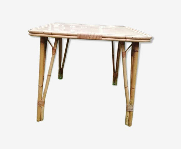 Bamboo and formica table