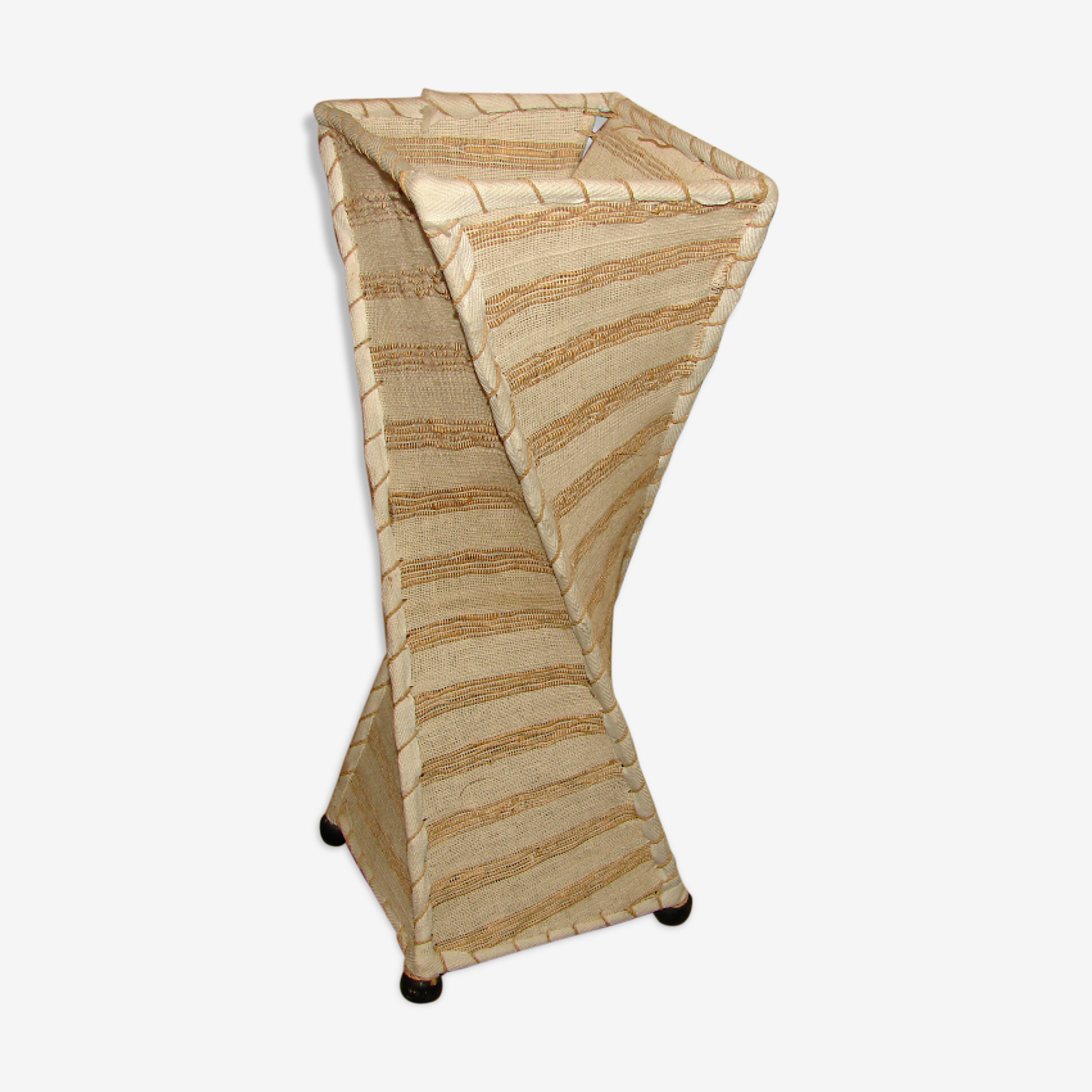 Lampe originale en coton tissé