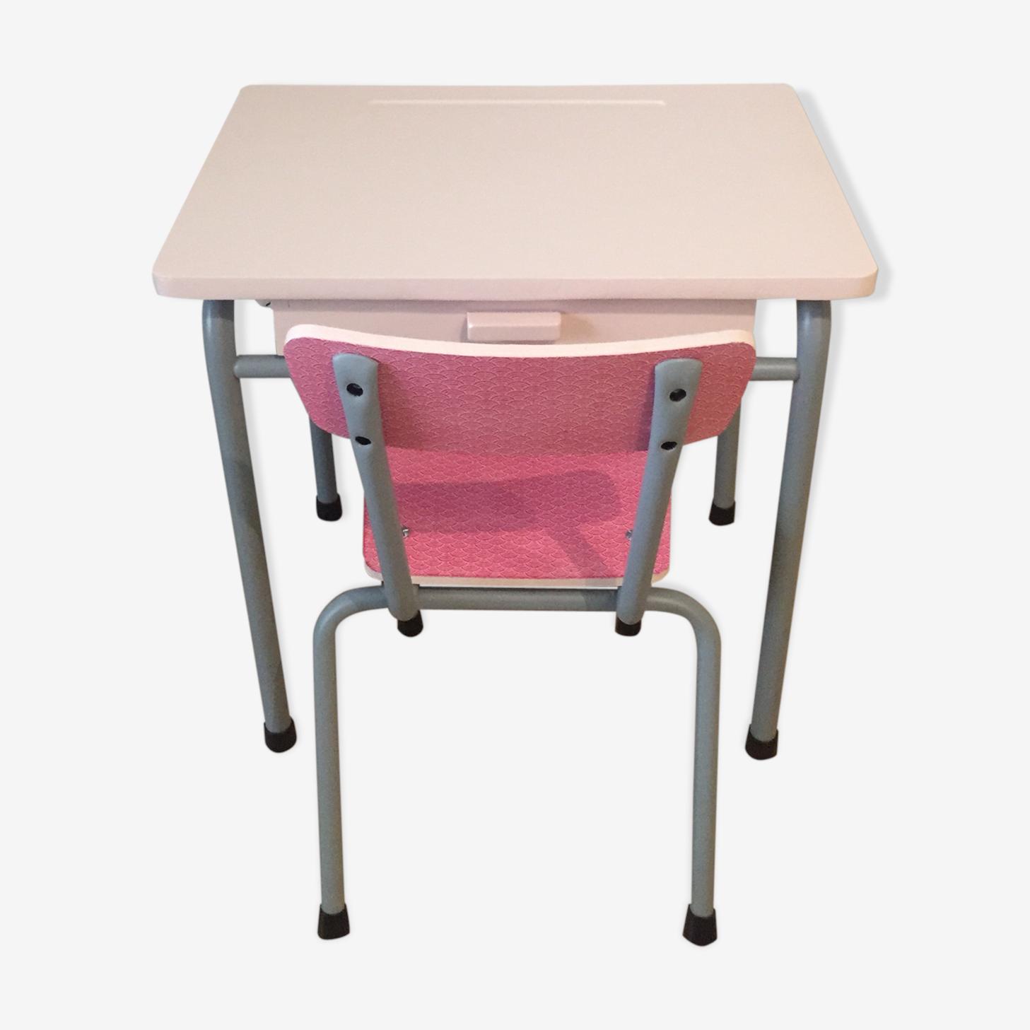 Bureau d'ecolier et sa chaise