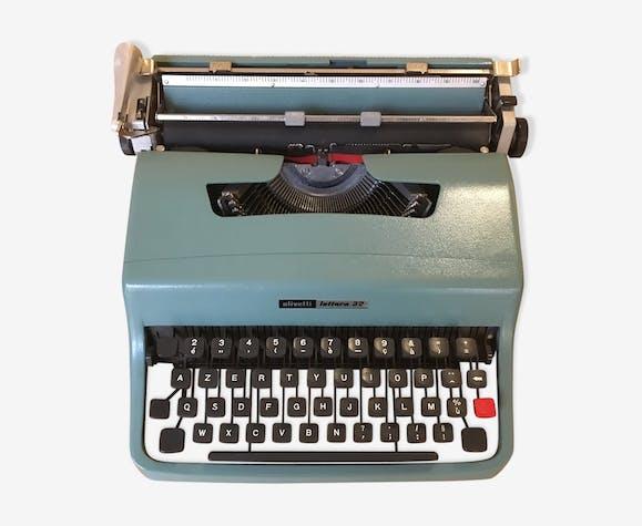 """Machine à écrire Olivetti modèle """"Lettera 32"""""""