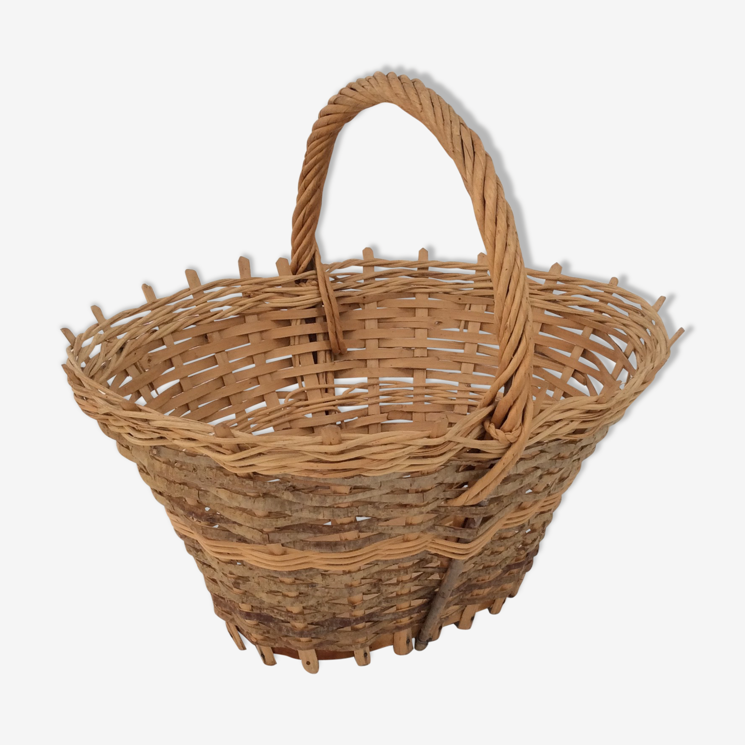 Former braided wood and wicker basket