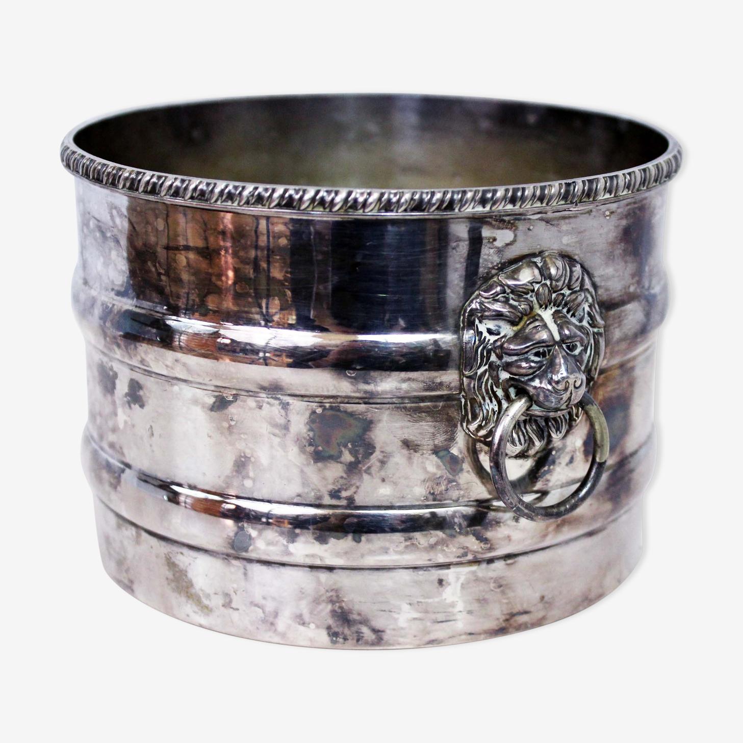 Cache pot en métal argenté lion