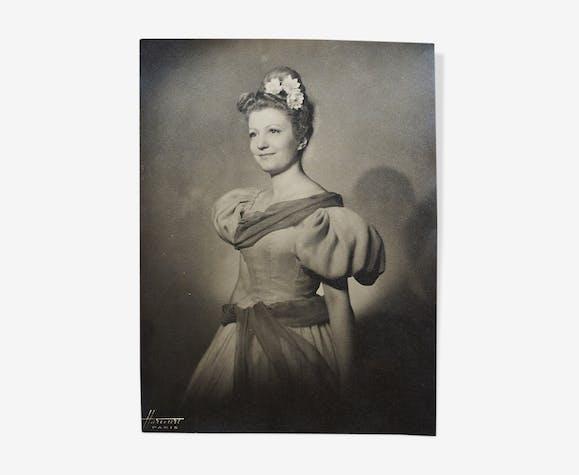 Portrait actrice Harcourt Paris Gelatin silver print
