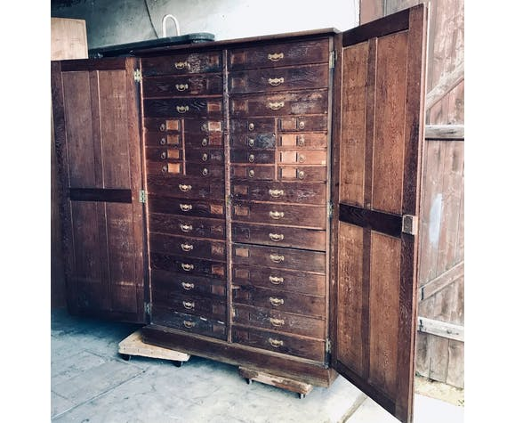 Solid oak apothecary cabinet with 38 drawers