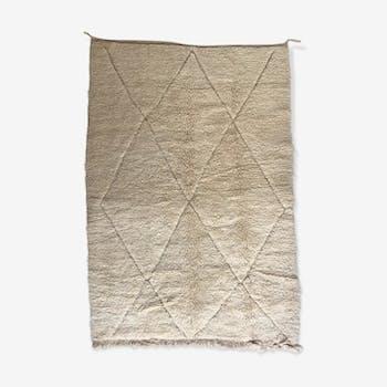 Moroccan Berber carpet Beni Ouarain with diamonds ecrus 2,44x1.61m