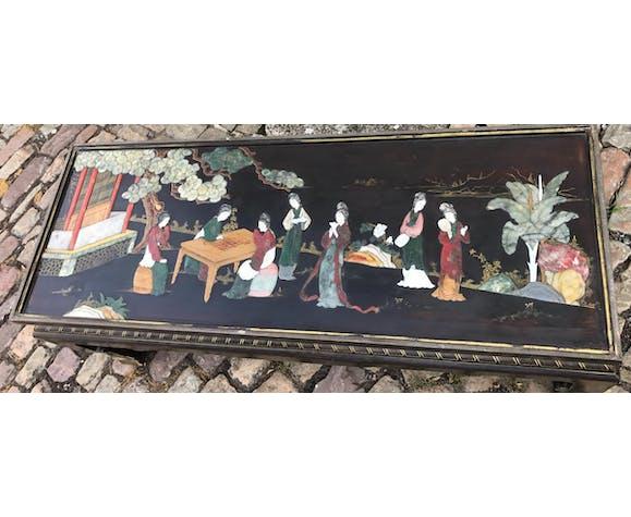 Table basse avec incrustations de pierre nacre et ivoire