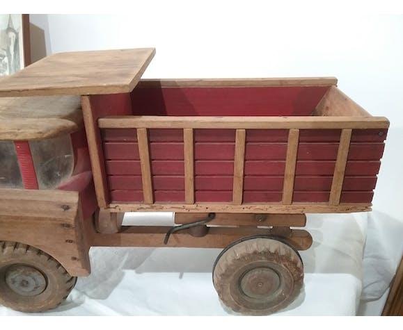 Ancien camion benne Dejou en bois