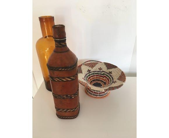 Bouteille marocaine gainée de cuir
