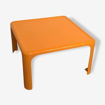 Table basse - jaune | Vous cherchez LA pièce unique ? Elle est ici.