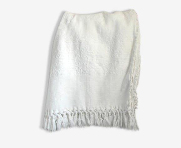 ancien plaid matelass en coton blanc pais tissu blanc vintage 126357. Black Bedroom Furniture Sets. Home Design Ideas