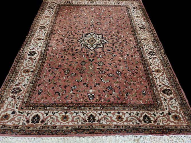 KASHAN carpets, 167 x 238 cm, knotted hand, Iran, Persian, 1980