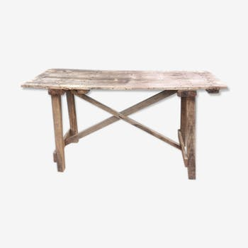 Table cross feet
