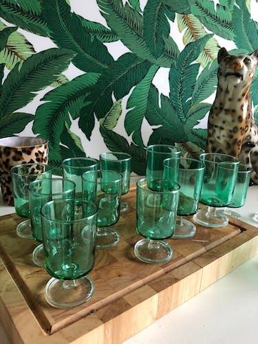 Service de 14 verres à pieds vintage