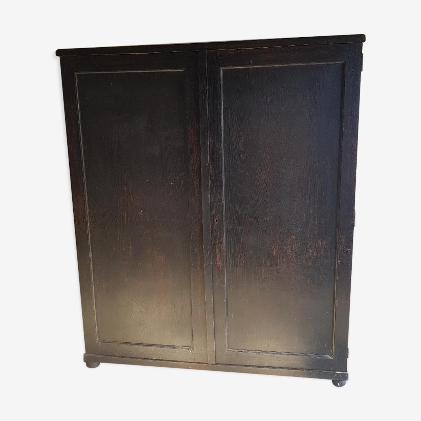 Armoire noire ancienne - tiroirs en bois et étiquettes d'origine