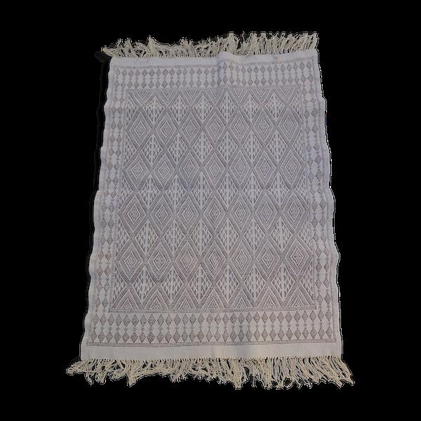 Tapis berbère traditionnel blanc et gris 123 x 175 cm
