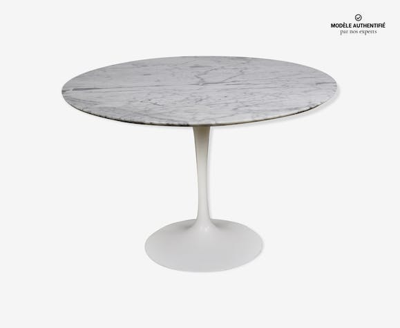 Table par Eero Saarinen pour Knoll International 1965