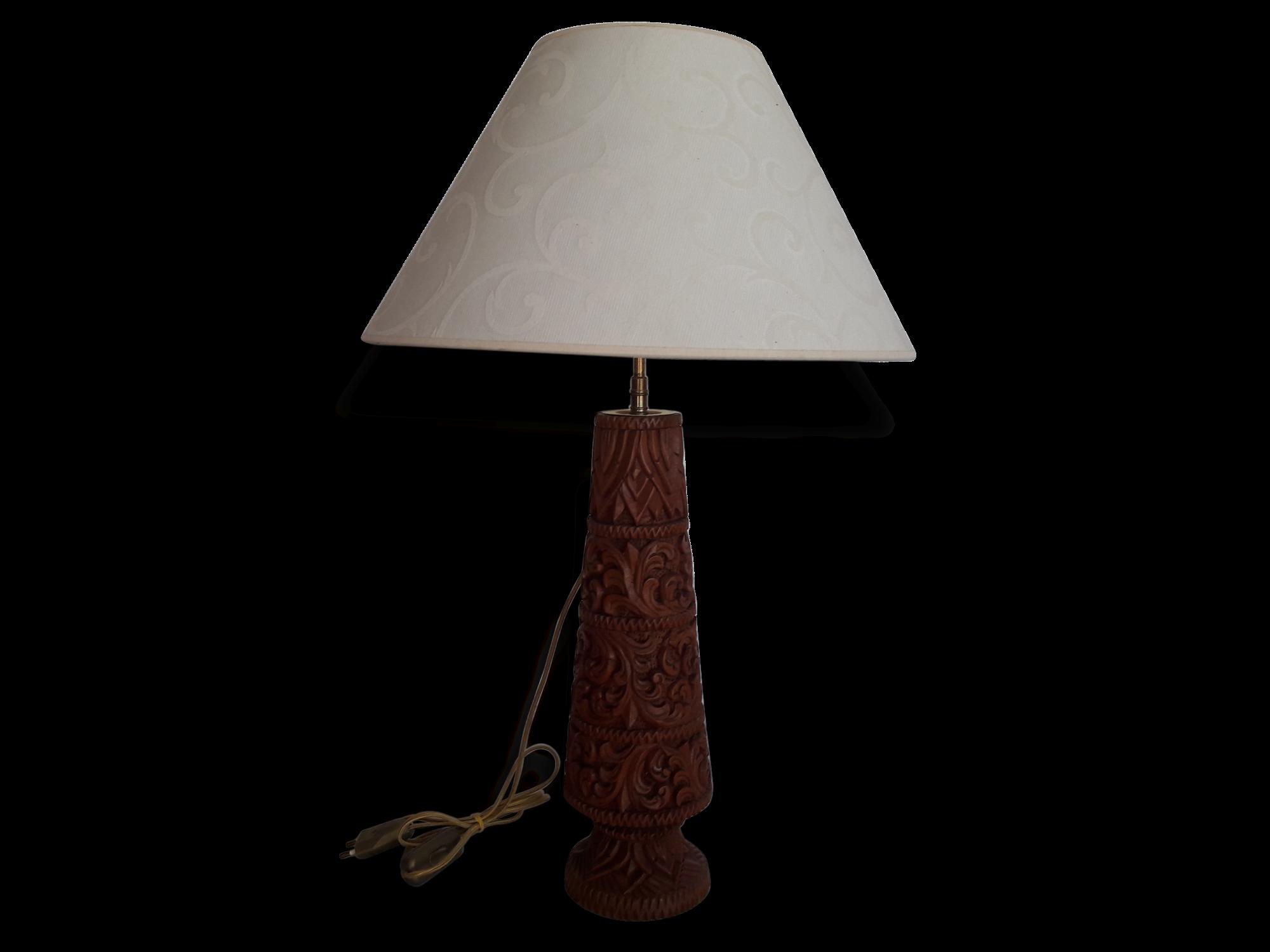Lampe sur pied bois beautiful chic et la lampe poser pied en bois patin et abat jour en with - Pied de lampe en bois brut a peindre ...