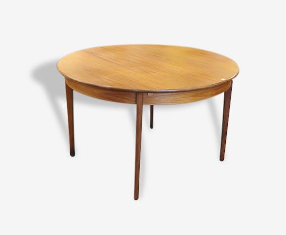 table ronde style scandinave avec rallonge bois. Black Bedroom Furniture Sets. Home Design Ideas