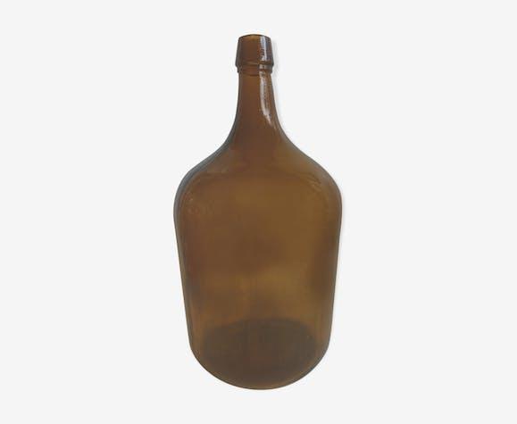 Dame-jeanne en verre moulé brun