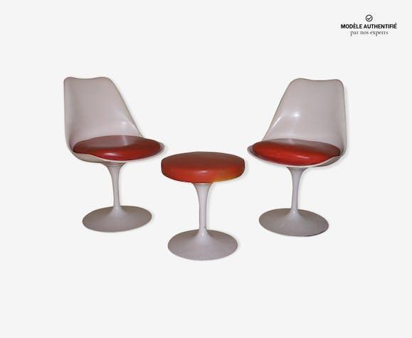 Tulip tabouret et chaises par Eero Saarinen
