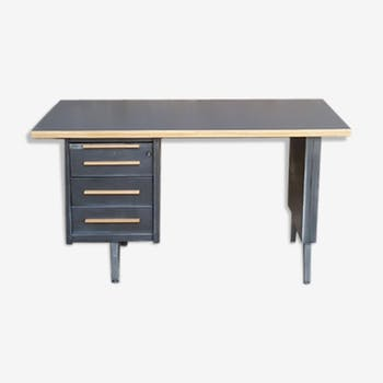 bureau style industriel d 39 occasion. Black Bedroom Furniture Sets. Home Design Ideas