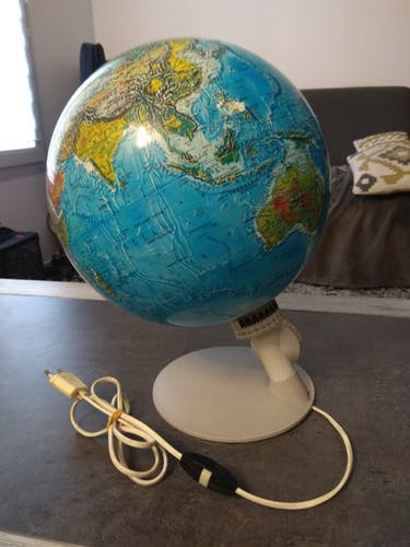 Vintage globe 1976 made in Denmark
