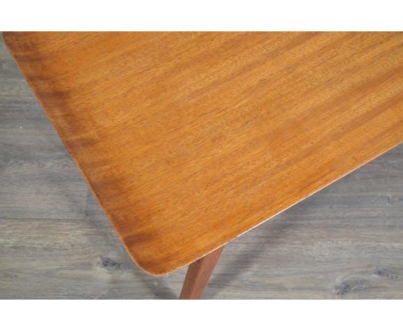 Coffee table par Myer, UK