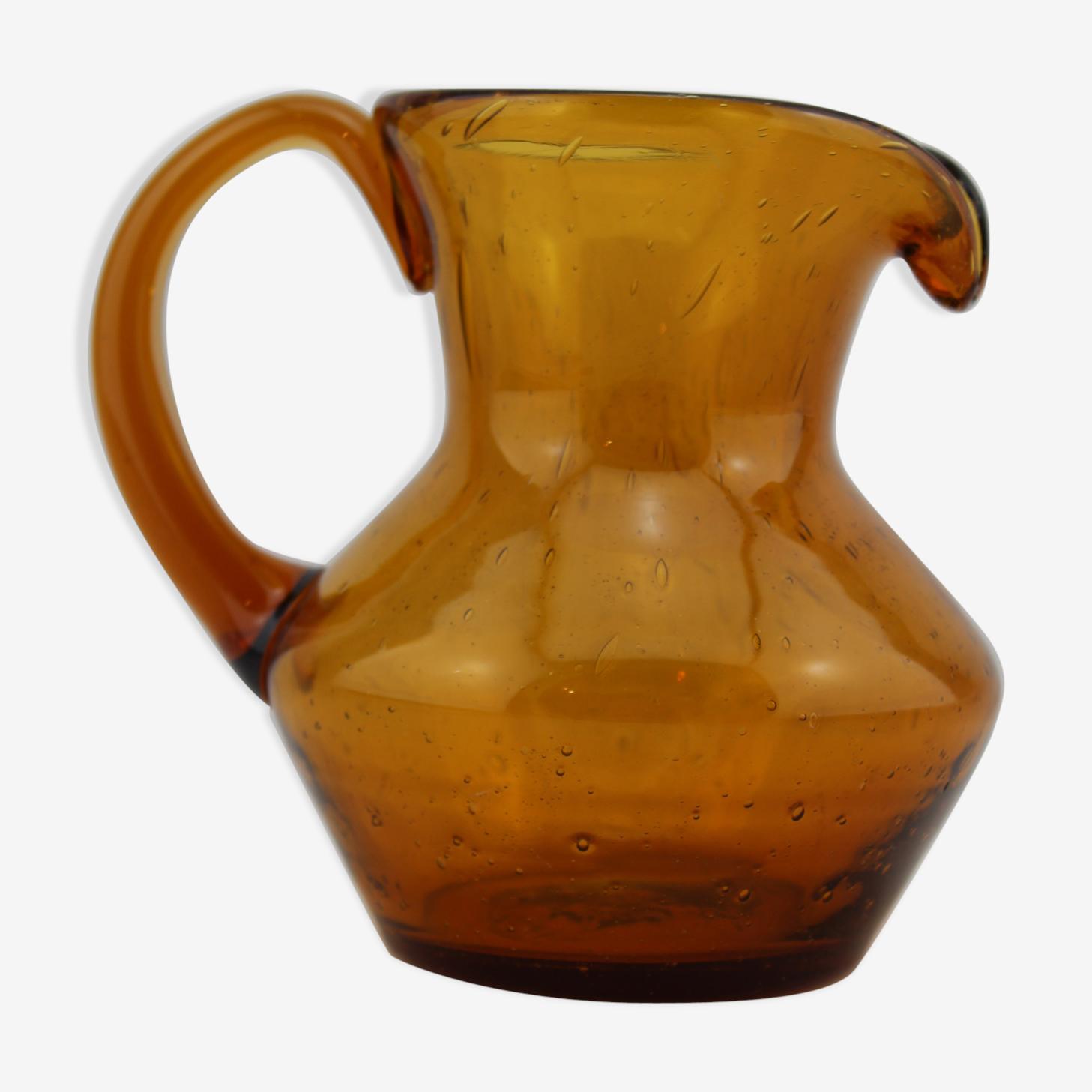 Pichet orangé verre bullé de Biot