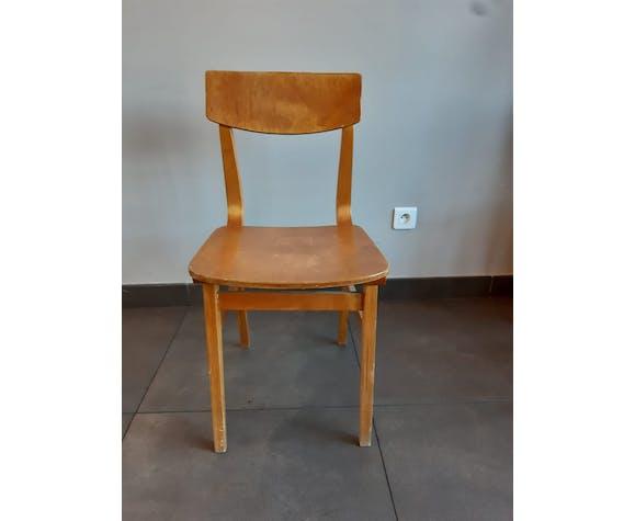 Lot 4 chaises en bois